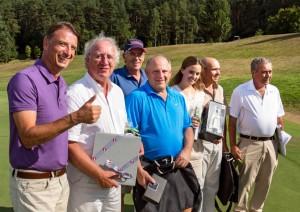 Siegerehrung, von links: Willi Fumy, Norbert Löglein, Hans Staar, Sepp Beck, Patricia Heinlein, Christian Schmidt und Dr. Werner Proebstl.