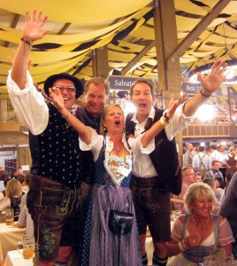 So jubeln Sieger: Gerd Wolf, Peter Fraas, Claudia Bachmair-Vogl und Ralf Exel. Fotos: Horst Huber
