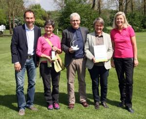 Von links: BayMeGo-Vorstand Ralf Exel, Michaela Bauer, Roland Schneider und Alexandra Bauer (alle Hohenpähl), Jury-Vorsitzende Heidi Rauch. Foto: Horst Huber