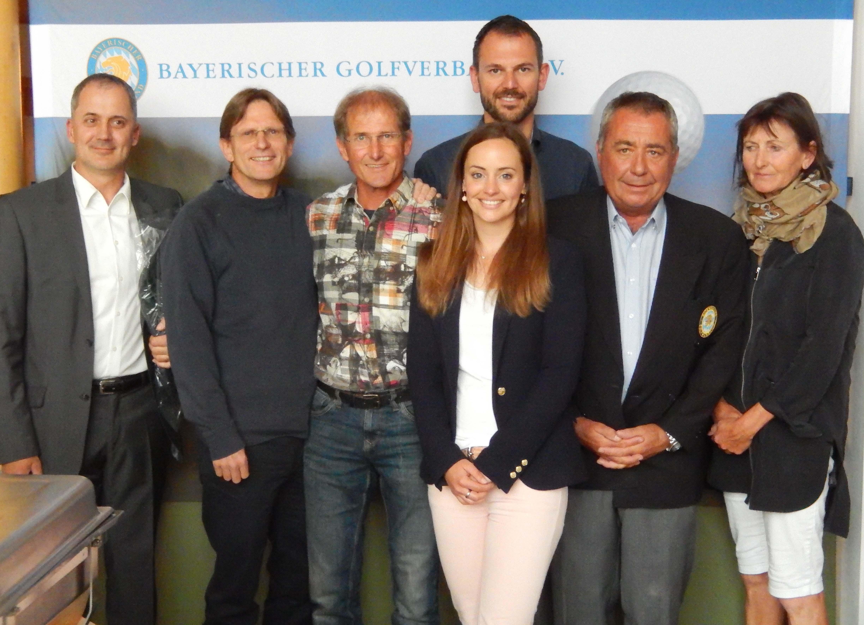 Ganz vorn in Lauterhofen (v.l):  Karl Kairies , Ralf Scheuerer, Frank Spöttel, Patrica Heinlein, Jochen Münch, Dr. Werner Pröbstl, Sybille Seidl-Caesare
