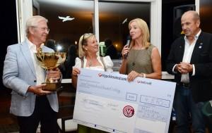 Von links: Heinrich Adam (Ex-Golf-Nationalspieler), Claudia Bachmair-Vogl (MGC-Vorstand), Michaela Gerg (Stiftungsgründerin) und Achim Winter (Stiftungsvorstand) freuen sich über den Erlös.