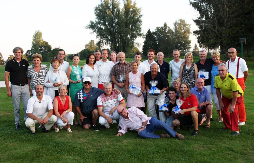 Alle Teilnehmer am Inklusionsturnier des Münchener Golf Clubs in Straßlach. Fotos: Huber