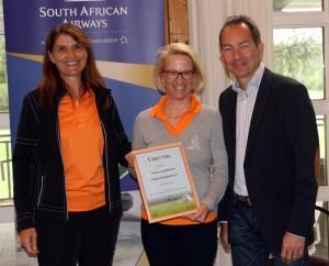 """Sieger in der Kategorie """"online"""" - Golfclub Mangfalltal. Von links: Corinna Binzer, Andrea Klüner und Ralf Exel. Fotos: Horst Huber"""